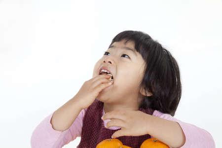 trus: orange and girl