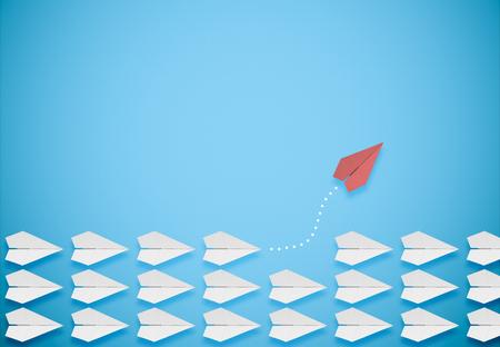 concept de pensée différente.avion en papier rouge quittant le groupe Banque d'images