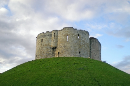 Clifford s Tower, York                              Stock Photo - 16704089