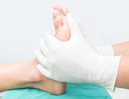 voetmassage, voetverzorging diabetische neuropathie Stockfoto
