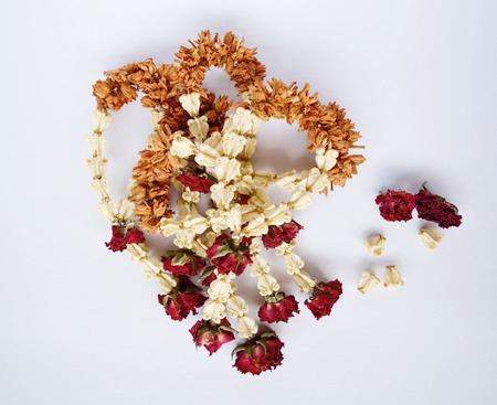 malai: Dried jasmine garland with red rose, Thai name Malai