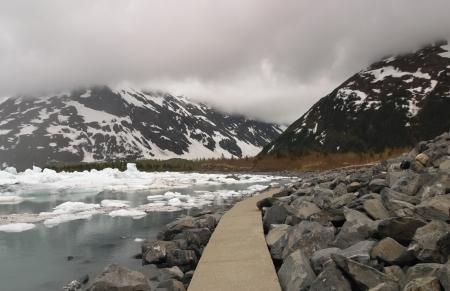 byron: Byron Glacier trail- Alaska
