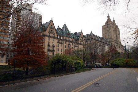 Just outside Central Park the Dakota Building is a beautiful sight in the NYC Skyline Zdjęcie Seryjne