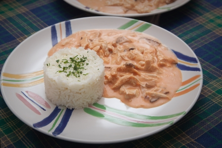 rice with chicken and sauce
