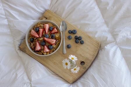 strawberrys: Breakfast on the bed