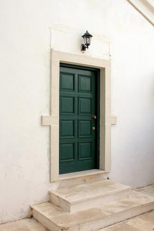 dome type: Green Door