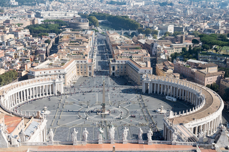 Saint Peter's Square in Vatican and aerial view of Rome Archivio Fotografico