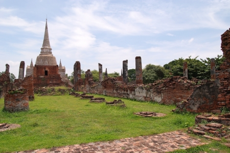 The ruins of the temple  of Ayutthaya, Thailand  photo