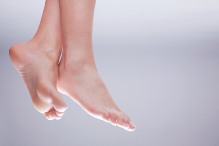 bare women: beautiful feet nature close up