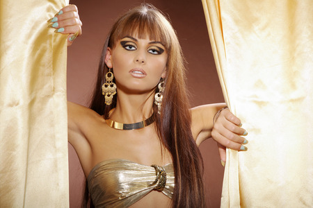 Mode-Modell im Cleopatra-Stil Standard-Bild - 28770054