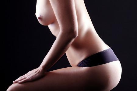 naakt vrouwen: naakt vrouwen in zwarte lingerie