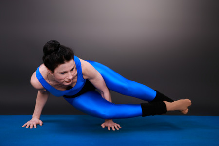 Sporty woman doing yoga Archivio Fotografico