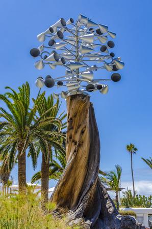 cristobal colon: Located along the seafront Avenida de Cristobal Colon in Puerto de la Cruz this wind chime can be found.