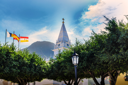 The small town of Los Silos is situated on the edge of the Teno Mountains in the Northwest of Tenerife. In the center of Los Silos is the powerful church of Nuestra Seora de La Luz. The church dominates the Entire city.