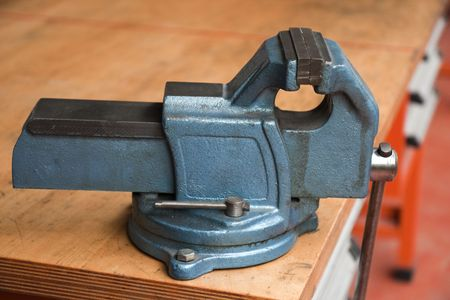 workbench: A vice in cast iron on a workbench