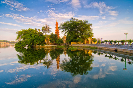 하노이, 베트남 란 Quoc 탑 스톡 콘텐츠