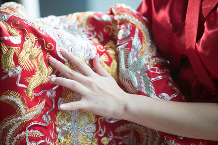 bride bangle: Chinese wedding bride-to-be