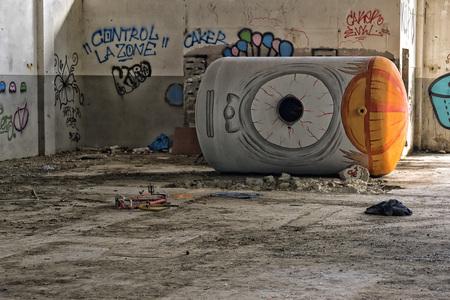 graffito: Barrel with eye to Reggiane