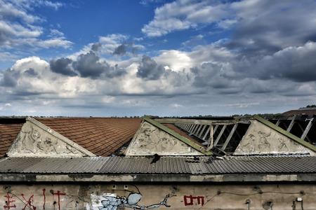 graffito: distruzione e devastazione alle Reggiane