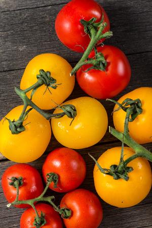bazalt: Farm fresh organic tomatoes from above Stock Photo