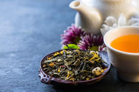 抗酸化療法の新鮮なお茶の背景