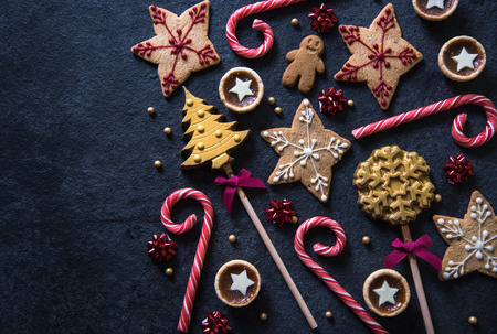 コピー スペース クリスマスお祝いお菓子食品の境界線の背景