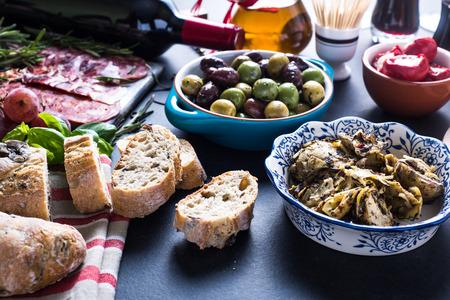 tapas espa�olas: alimento del partido, la selecci�n de tapas espa�olas Foto de archivo