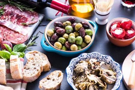 파티 음식, 스페인어 타파스 선택 스톡 콘텐츠