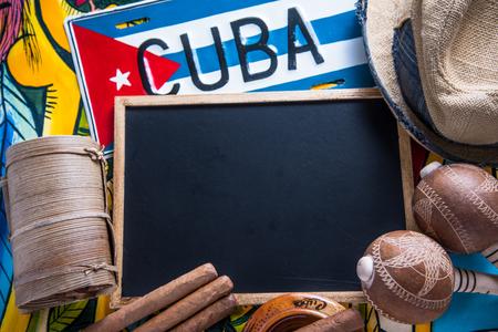 bandera panama: Viaja a Cuba el concepto de fondo con copia espacio