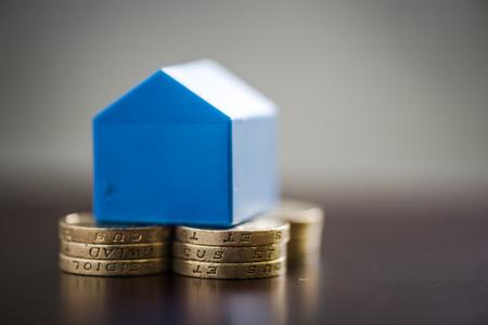 재산 사다리에 올라 첫 주택 구매자 절감, 스톡 콘텐츠
