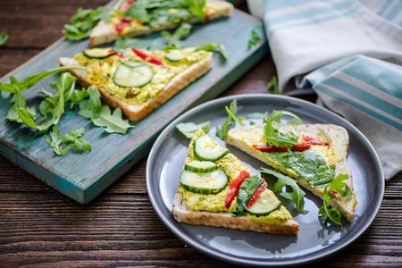 heathy: heathy chicket breakfast sandwich with rucola