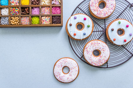 gingerbread cookies: decorating gingerbread cookies with sweets