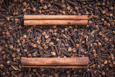 clave: Clave spice with cinamon sticks, close up view Stock Photo