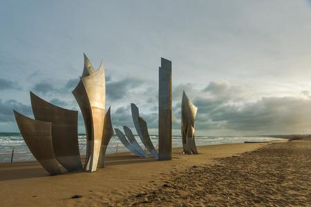 Memoriale di atterraggio di Overlord della seconda guerra mondiale di Omaha Beach in Normandia, Francia. Archivio Fotografico - 70895098