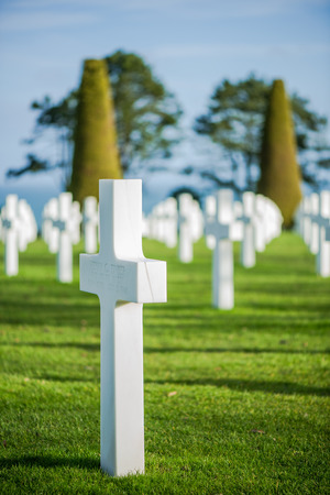 american hero: White crosses in American Cemetery, Coleville-sur-Mer, Omaha Beach, Normandy, France. Stock Photo