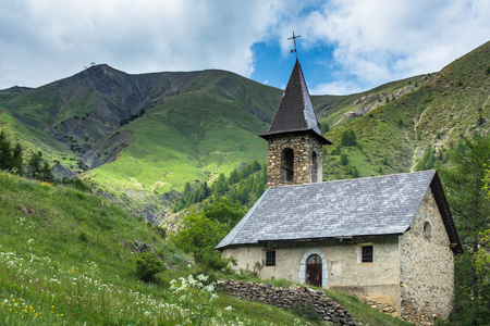 Lonely church in picturesque spring Alps,France. Reklamní fotografie