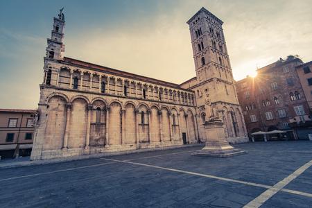 Basillica San Michele in Lucca,Tuscany,Italy. Фото со стока