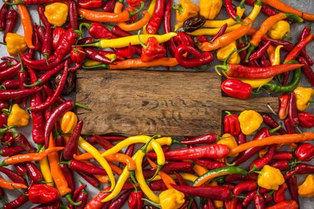 Gemengde chili en hete habanero-pepers. Stockfoto