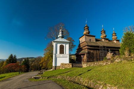Wislok Wielki, Bieszczady, 폴란드에서에서 정교회 목조 교회. 카르 파티 아 산맥에 위치한 많은 중 하나. 스톡 콘텐츠