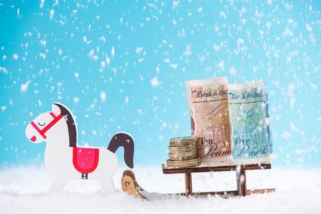 イギリスのお金、クリスマス販売コンセプト。