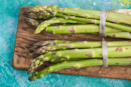 Fresh spring vegetable, green asparagus. Фото со стока