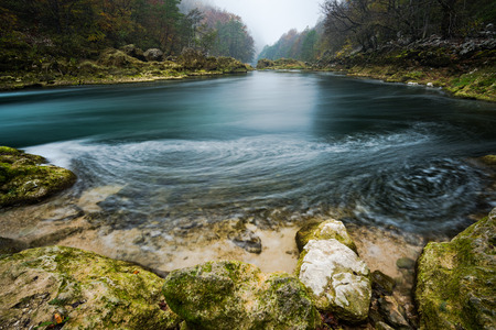 Long exposure image of Una river flow in Bosnia. Imagens