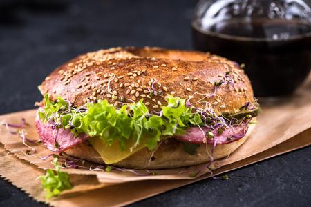 Fresh healthy bagel, take way brunch idea. 스톡 콘텐츠
