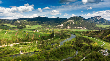 Dunajec river in Pieniny National Park in Poland, aerial drone view. Banco de Imagens