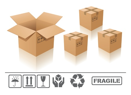 packer: open and closed Cardboard box with fragile sign on white background Stock Photo