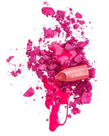 Crushed Lidschatten, Nagellack und Lippenstift isoliert auf weißem backgrund Standard-Bild - 29936882