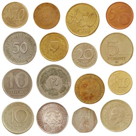 oude munten: Oude munten geïsoleerd op wit
