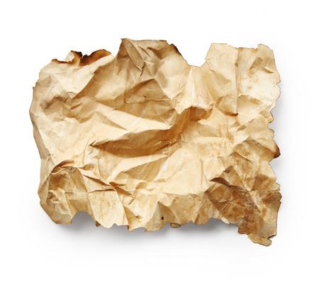 feuille froiss�e: Feuille de papier froiss� isol� sur blanc Banque d'images