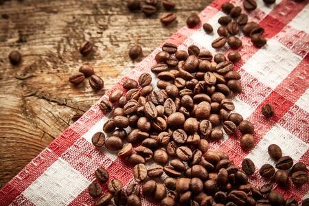servilleta de papel: Los granos de caf� en servilleta