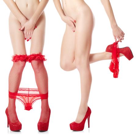 bragas: Mujer atractiva que saca sus bragas rojas sobre fondo blanco. Conjunto